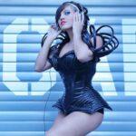 Stripteaseuse La Roche-sur-Yon sexy